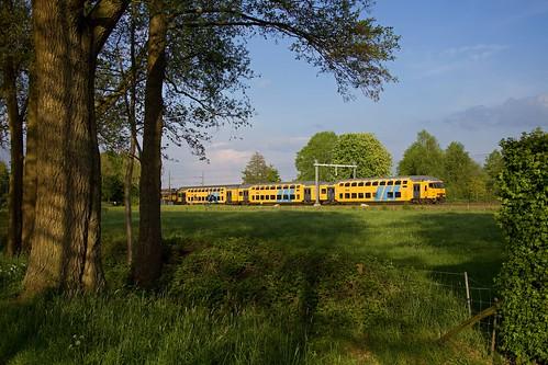 NS trein 5668  Zwolle - Utrecht Centraal  - Hattemerbroek