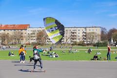 Kite Skateboarding Tempelhof Berlin