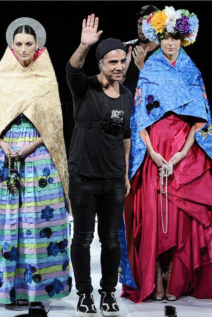 2014 - Desfile/Performance Me ofereça seu corpo e eu te faço Rainha no Teatro Faap