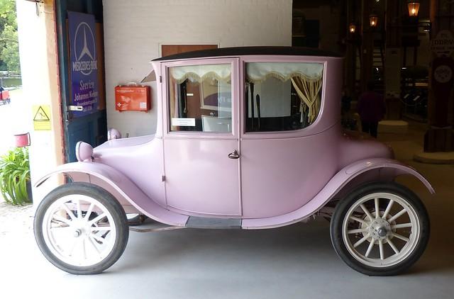 Milburn Light Electrics 1919 pink l