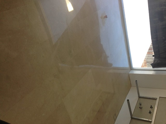 crema-marfil-laid-and-polished-in-ensuite