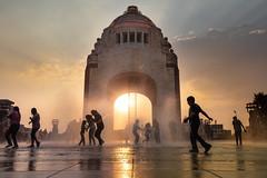 Día del niño: Fuentes del Monumento a la Revolución