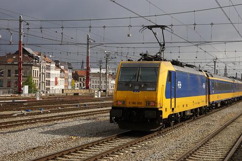 Bruxelles-Midi / Brussel-Zuid - NS Class 186 n° E 186 006 ( NL. 🇳🇱 )