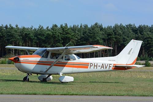 PH-AVF Cessna F172P cn F17202212 De Kempen 130810 Budel 1002