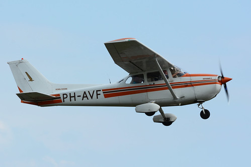 PH-AVF Cessna F172P cn F17202212 De Kempen 130810 Budel 1001