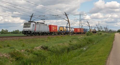 Angeren Lineas Akiem 186 386 met Saxionia Express