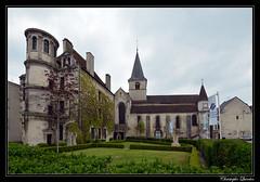 Châtillon-sur-Seine - Office du tourisme et église Saint-Nicolas