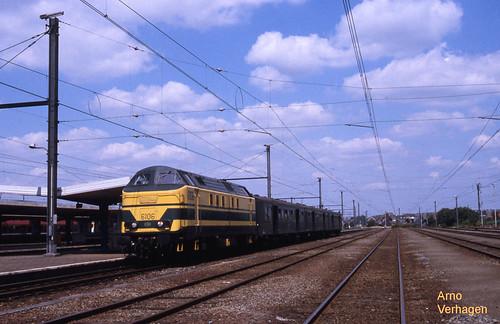 2002 | TSP 6106 te Braine-le-Comte