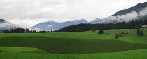 20110908 23 222 Jakobus Berge Wolken Wald Weg Wiese_P01