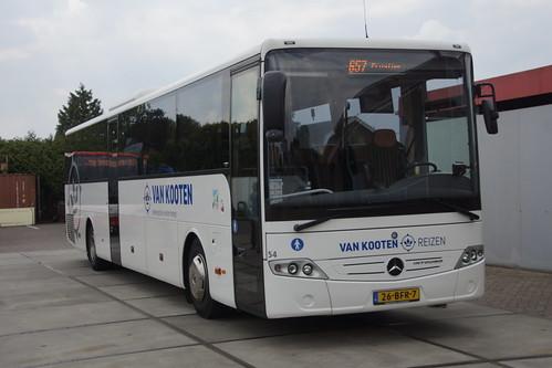 Mercedes-Benz Intouro Van Kooten 54 met kenteken 26-BFR-7 in Kootwijkerbroek 18-05-2019
