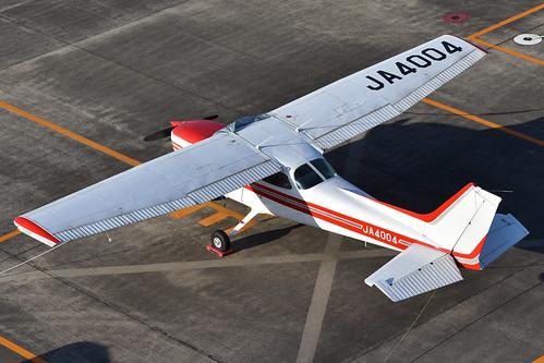 Cessna 172P Skyhawk 'JA4004'