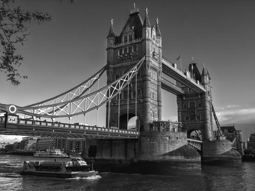 London ( 9 )