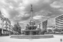 Black & White - Fontaine Monumentale, Valence