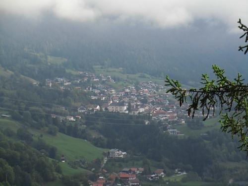 20110915 30 160 Jakobus Grins Ortschaft Kirche Wolken