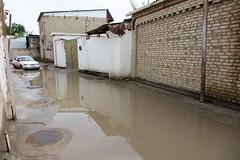 Ulice Buchary po nocnych powodziach