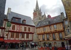 20190502 17 Vannes - Place Henri IV