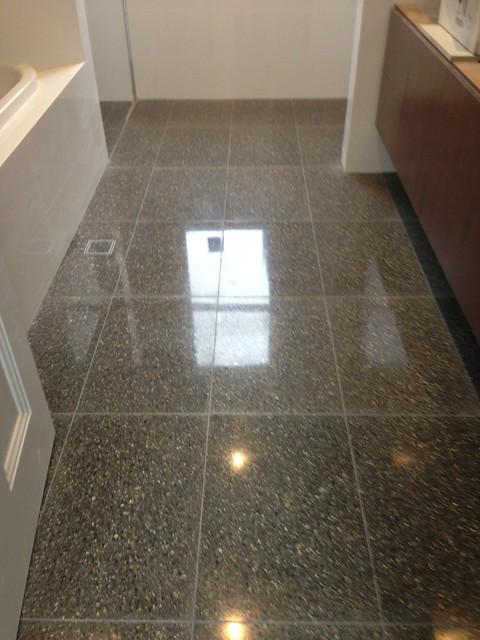 mechanical-polish-of-terrazzo-tiles