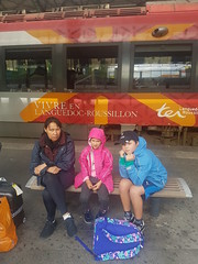 Happy Passengers waiting for a TGV in Perpignan - Photo of Baho