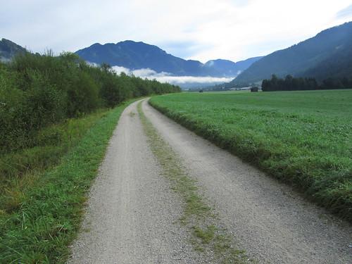 20110907 22 123 Jakobus Weg Nebel Berge Wiese Wolken