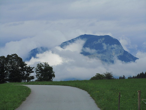 20110908 23 454 Jakobus Weg steil Berg Wald Wolke Wiese