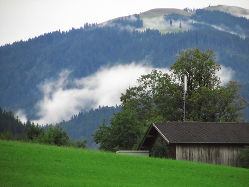 20110908 23 198 Jakobus Berg Wolken Wald Haus Bäume