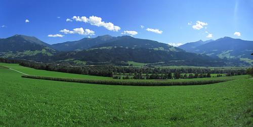 20110910 25 359 Jakobus Berge Wolken Weg Maisfeld Wald Bäume_P01