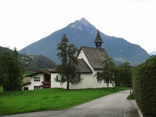 20110914 29 106 Jakobus Imsterau Kirche Weg Berge Bäume