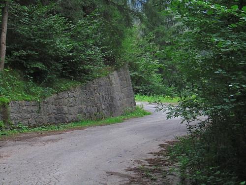20110914 29 065 Jakobus Wald Weg Mauer