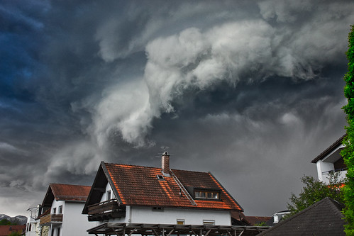 A dark weather front over Freilassing
