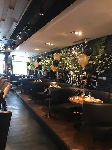 Tafeldecoratie 3ballonnen The Oysterclub Rotterdam