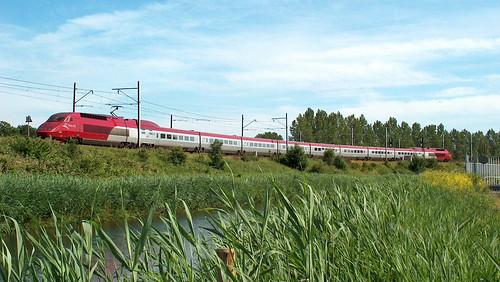 Thalys verlaat de westtak op weg naar Schiphol, met als eindbestemming Paris Gare du Nord. 20030621 HPIM0756