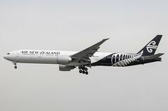EGLL - Boeing 777-319ER - Air New Zealand - ZK-OKM