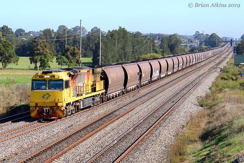 IMG_0041 5043 Train 5009 Tarro MR980 17.4.19_1