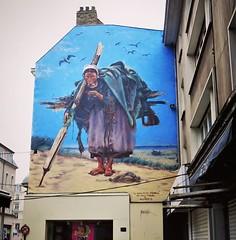 #letsmeetatthesea this weekend / #streetart by #Alaniz. . #boulognesurmerstreetart #urbanart #graffitiart #streetartfrance #streetartboulognesurmer #urbanart_daily #graffitiart_daily #streetarteverywhere #streetart_daily #mural #ilovestreetart #igersstree