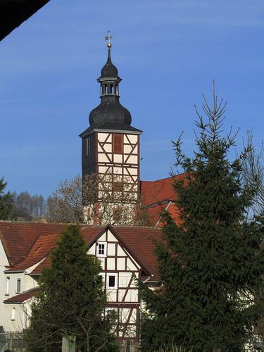 20110324 0211 017 Jakobus Sünna Kirche Fachwerkhaus Turm