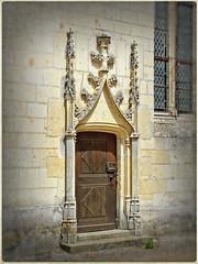 Portal in the Château du Plessis-Bourré courtyard