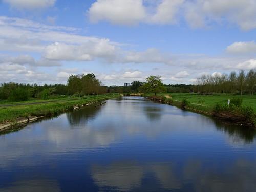 Le canal du Centre à Ville-sur-Haine