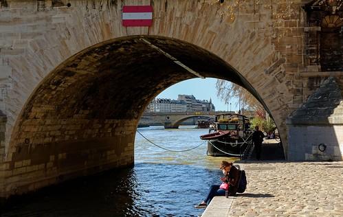 Paris / Under the Pont Marie, Solitude