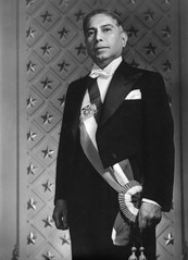 me costó encontrar esta muy poco conocida foto oficial del presidente Jeronimo Mendez Arancibia, fue presidente de Chile  1941-1942,