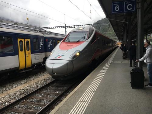Einfahrt des EC35 in Brig