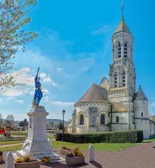 Un village, son église, son monument aux morts - Photo of Nampcel