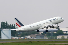 Airbus A320-214, Air France pour Hop, destination Nice, F-HBND - Photo of Phalempin