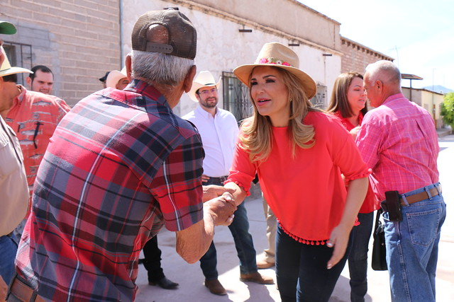 Lleva gobernadora Claudia Pavlovich beneficios a familias de la sierra de Sonora