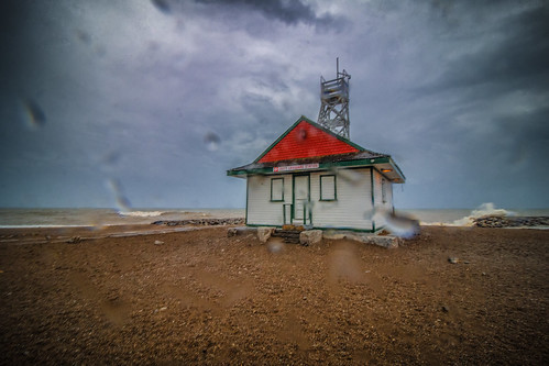 Leuty Lifeguard Station Enduring The Storm