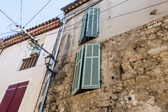 Shutters, etc. - Photo of Châteauneuf-le-Rouge