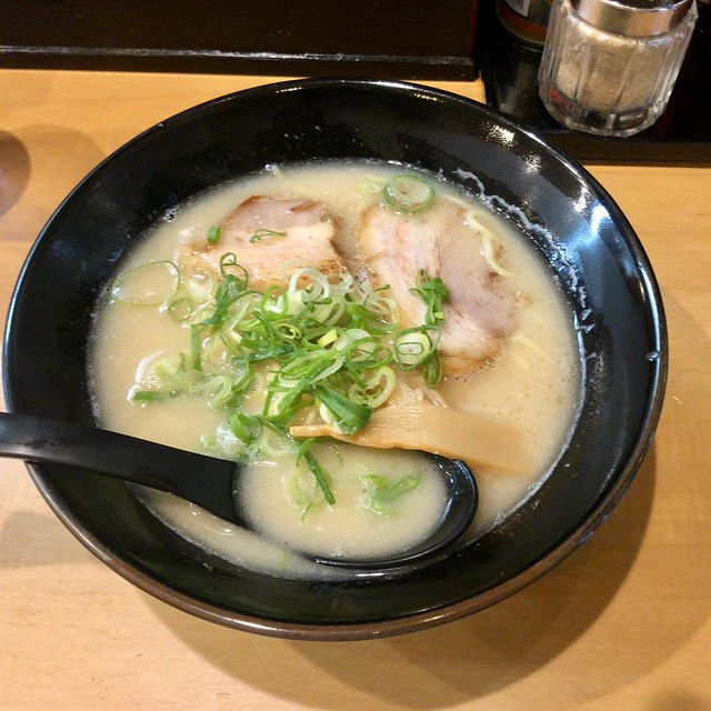 Photo:とんこつらーめん  pork bone ramen ¥680 By Takashi H