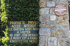 Private Property - Photo of Châteauneuf-le-Rouge