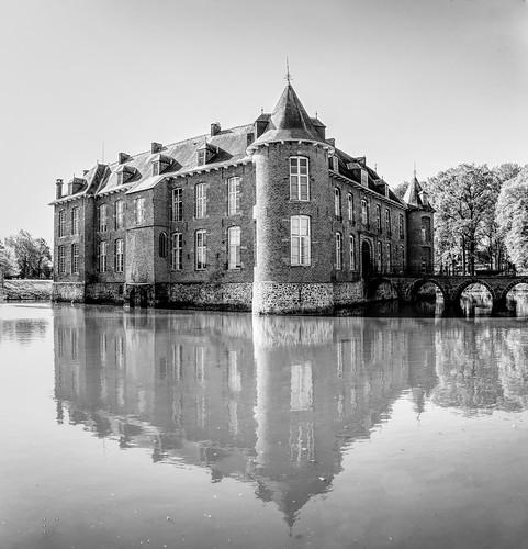 Château de Lestriverie de Bois-de-Lessines