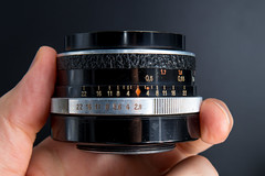 Side view of a Carl Zeiss Jena Tessar 2.8/50