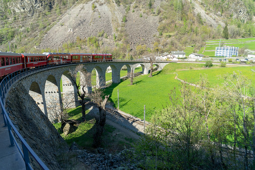 Brusio: On the viaduct (1/2)